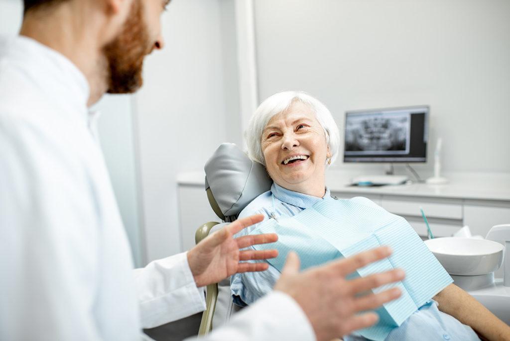 VanDental DentalImplants Woman Visit